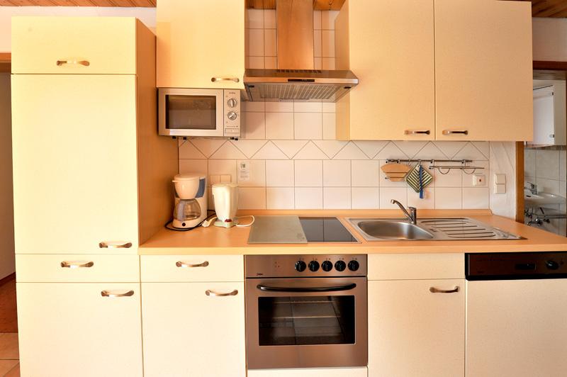 ferienwohnung roter milan ferienhof kober im schwarzwald. Black Bedroom Furniture Sets. Home Design Ideas